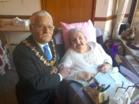 The Mayor of Bangor visits Ceris and Glyn Menai residents