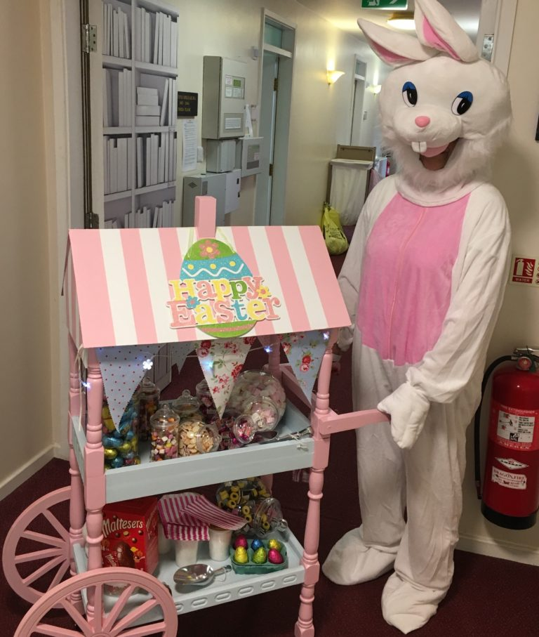 The Easter Bunny visits Fairways Newydd in person!